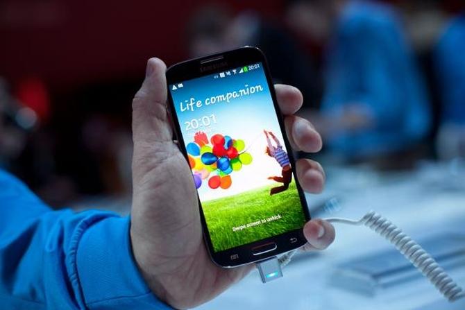 100555671-SamsungGalaxy_S4.600x400 (1)