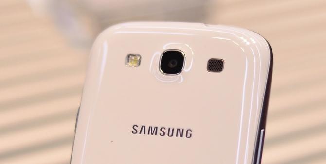 Samsung-Galaxy-S3-S-III-SGS3-hands-on-camera