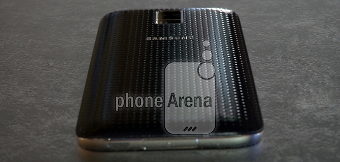Leaked-pictures-of-the-Samsung-Galaxy-S5-Prime_004