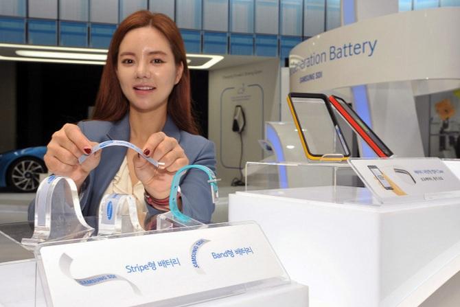 Samsung показала миру гибкие аккумуляторы для умных часов