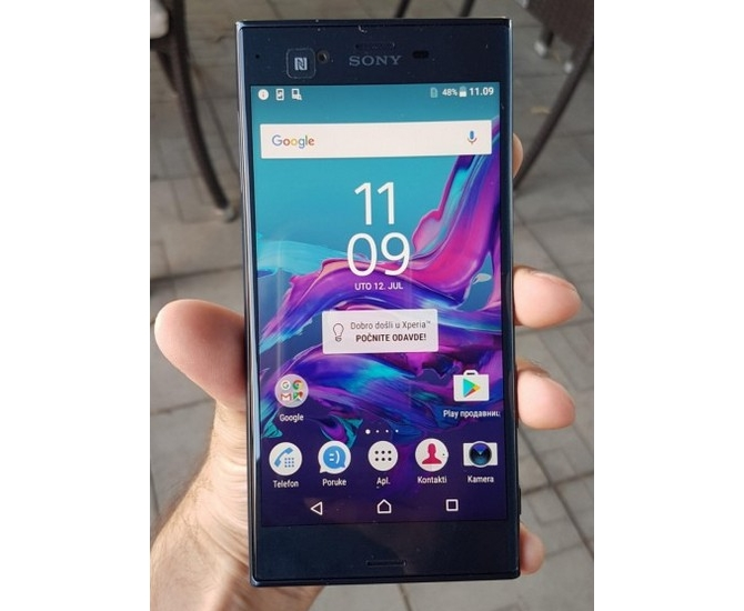 Флагманский смартфон Сони Xperia F8331 замечен на«живых» фотографиях