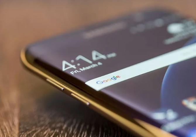 Мобильные телефоны с8 Гбайт оперативной памяти появятся в 2017-ом